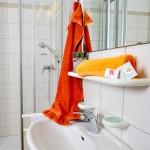 © Augustiner-Vikariat Wien | Gästehaus | Bad mit Dusche & WC| Foto: Heidi Kufner